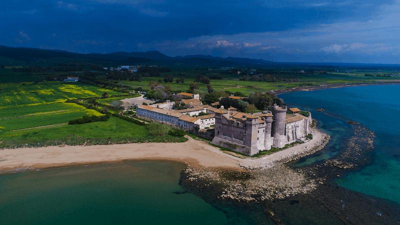 organizza una visita al castello